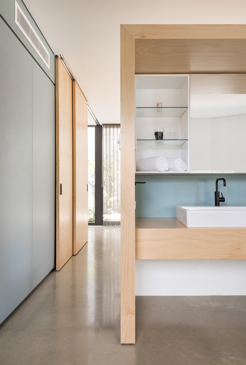 Bev's House by Gresley Abas Architects 03