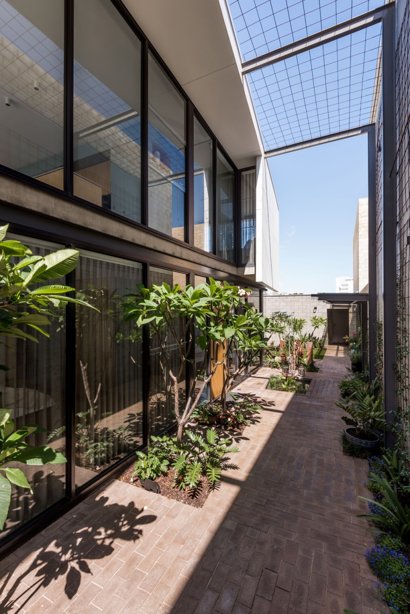 Bev's House by Gresley Abas Architects 06