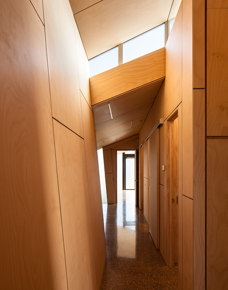 Fe3O4 House by Crosson Architects 05