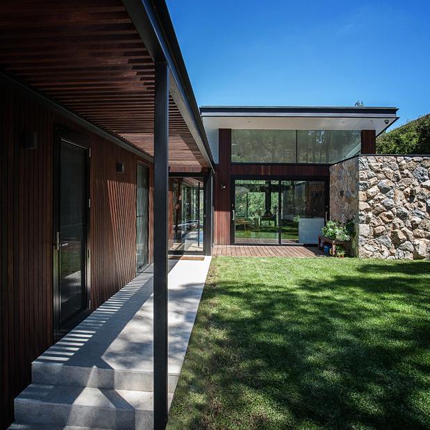 North Warrandyte House by Alexandra Buchanan Architecture_01