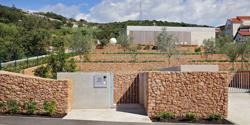 Olive House_mediterian garden by LOG-URBIS 07