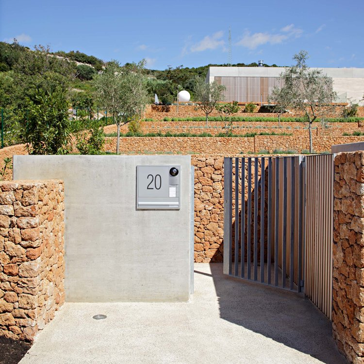 Olive House_mediterian garden by LOG-URBIS 08