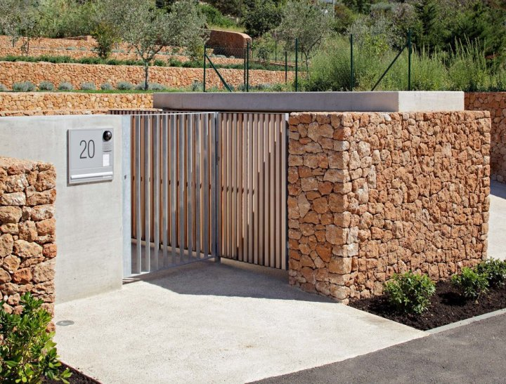Olive House_mediterian garden by LOG-URBIS 09