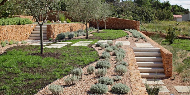 Olive House_mediterian garden by LOG-URBIS 13