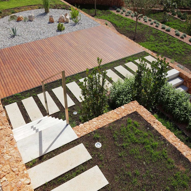 Olive House_mediterian garden by LOG-URBIS 16