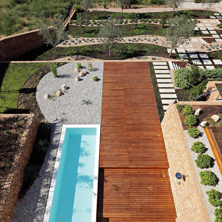 Olive House_mediterian garden by LOG-URBIS 25