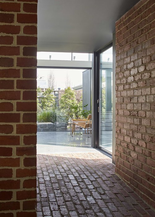 Tunnel House by Modo Architecture 05