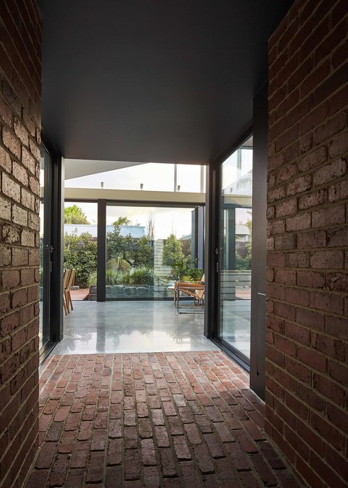 Tunnel House by Modo Architecture 09