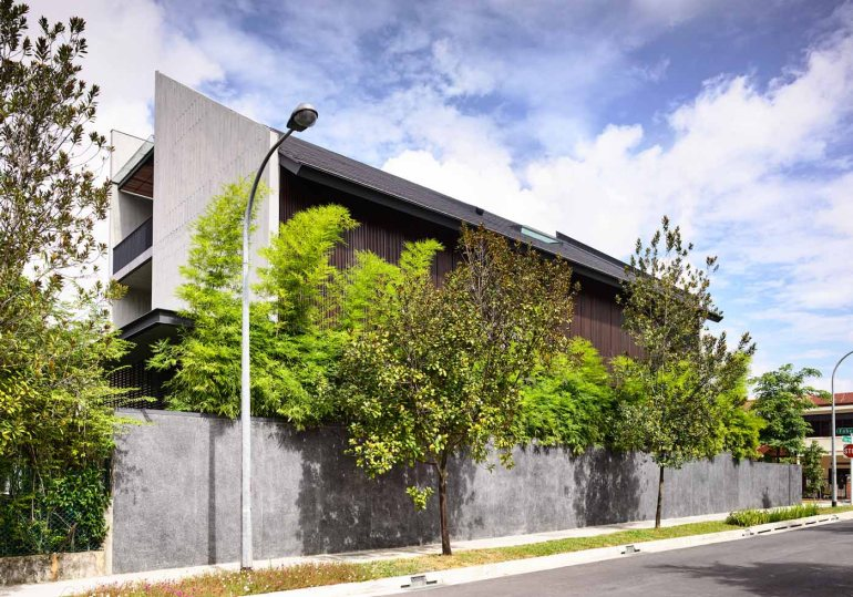 Cascading Courts by HYLA Architects 13