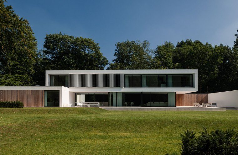 HS Residence by Cubyc Architects ©KVD