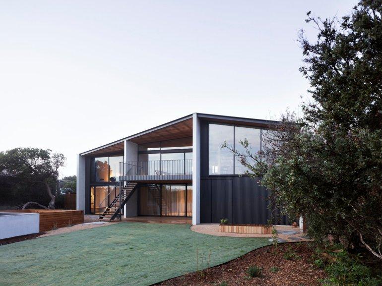 Barwon Heads House by Lovell Burton Architecture 01