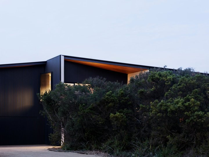 Barwon Heads House by Lovell Burton Architecture 02