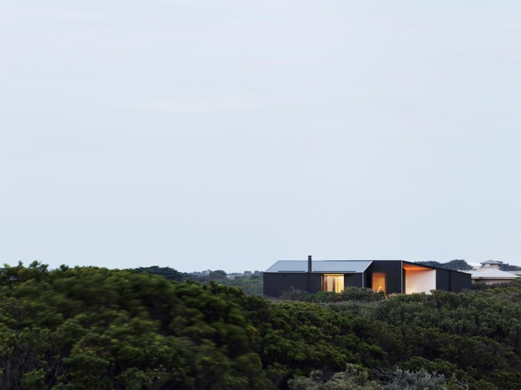 Barwon Heads House by Lovell Burton Architecture 05