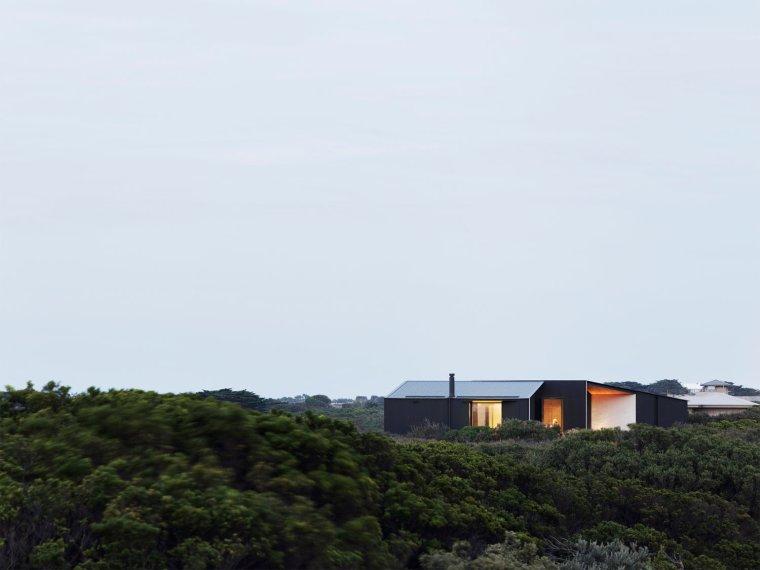 Barwon Heads House by Lovell Burton Architecture 05