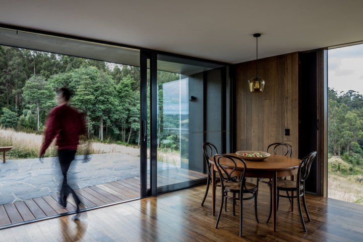 Cross House by Taylor and Hinds Architects 04