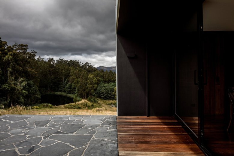 Cross House by Taylor and Hinds Architects 05