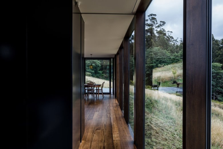 Cross House by Taylor and Hinds Architects 07