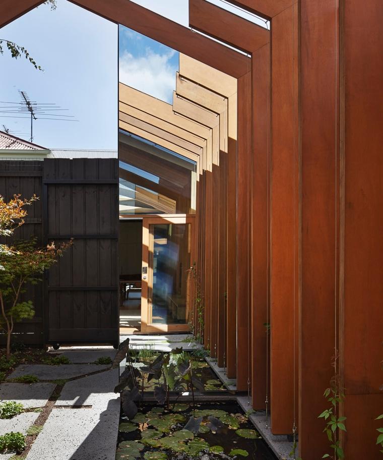 Cross-Stitch House by FMD Architects 07