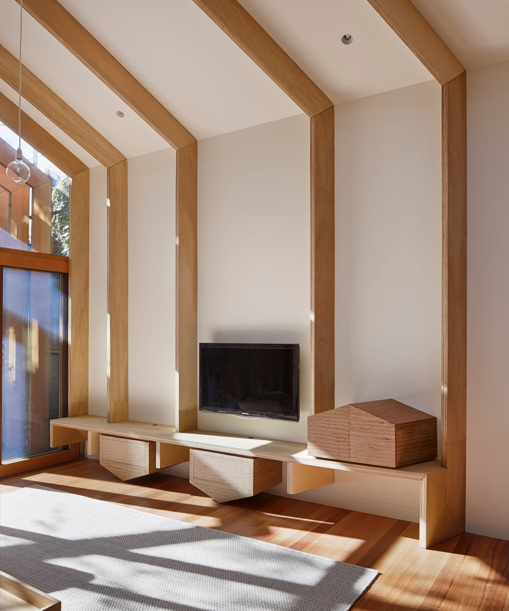 Cross-Stitch House by FMD Architects 11