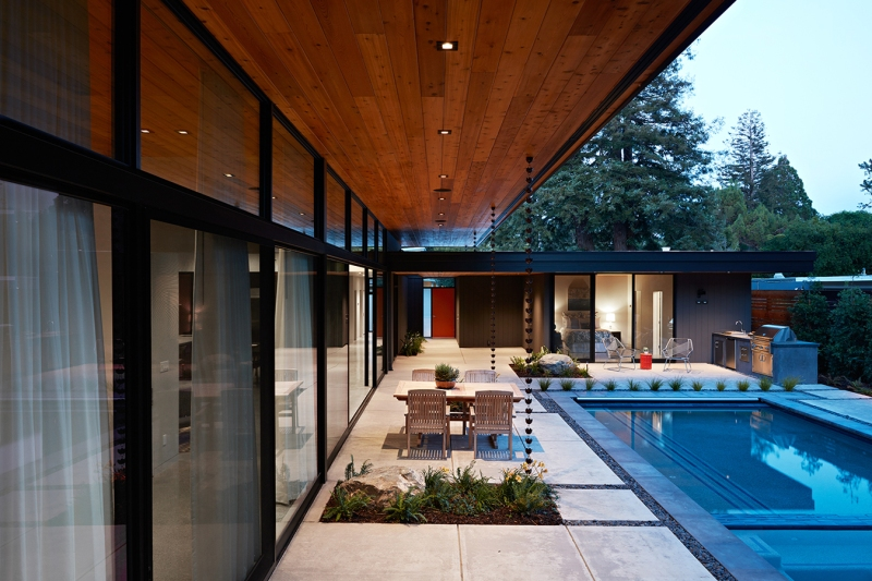 Glass Wall House by Klopf Architecture 02
