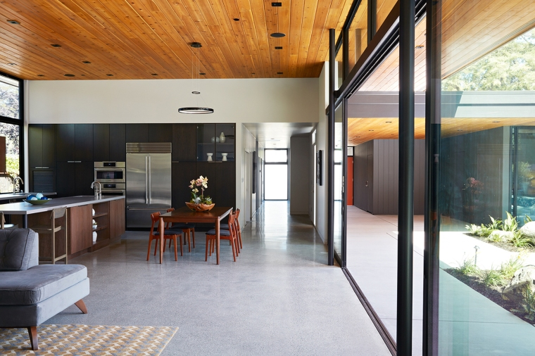 Glass Wall House by Klopf Architecture 07