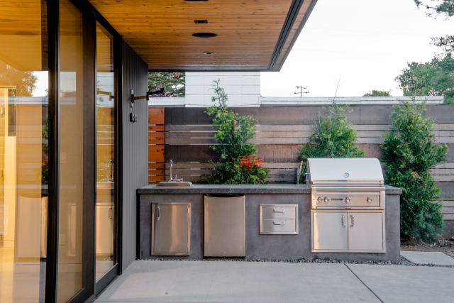 Glass Wall House by Klopf Architecture 21