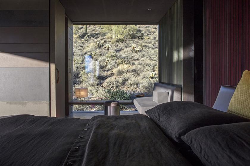 Hidden Vallery Desert House by Wendell Burnette Architects06
