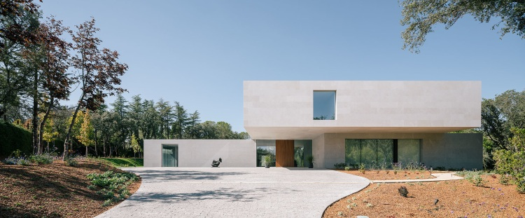 La Moraleja Villa, Madrid, Spain by XTEN Architecture, EXTUDIO and Losada Garcia Arquitectos 01