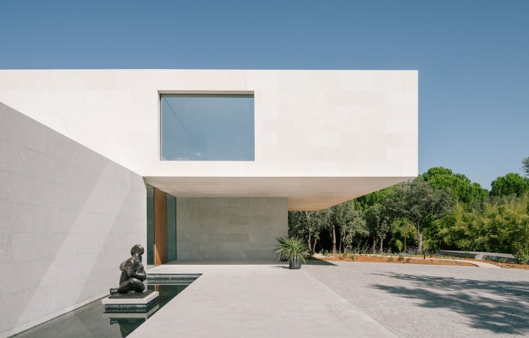 La Moraleja Villa, Madrid, Spain by XTEN Architecture, EXTUDIO and Losada Garcia Arquitectos 02