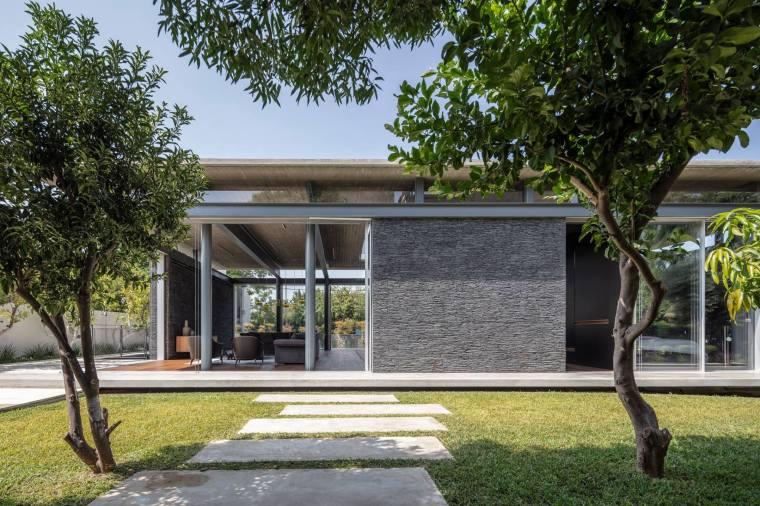 Pavilion House by Pitsou Kedem Architects 06
