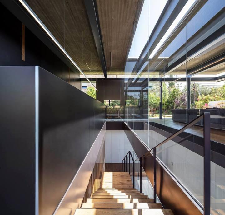 Pavilion House by Pitsou Kedem Architects 11