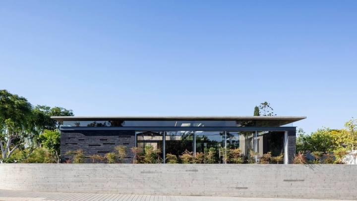 Pavilion House by Pitsou Kedem Architects 18