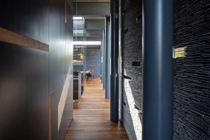Pavilion House by Pitsou Kedem Architects 23