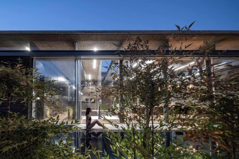 Pavilion House by Pitsou Kedem Architects 28