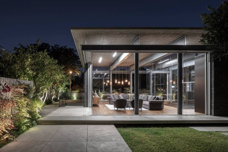 Pavilion House by Pitsou Kedem Architects 30