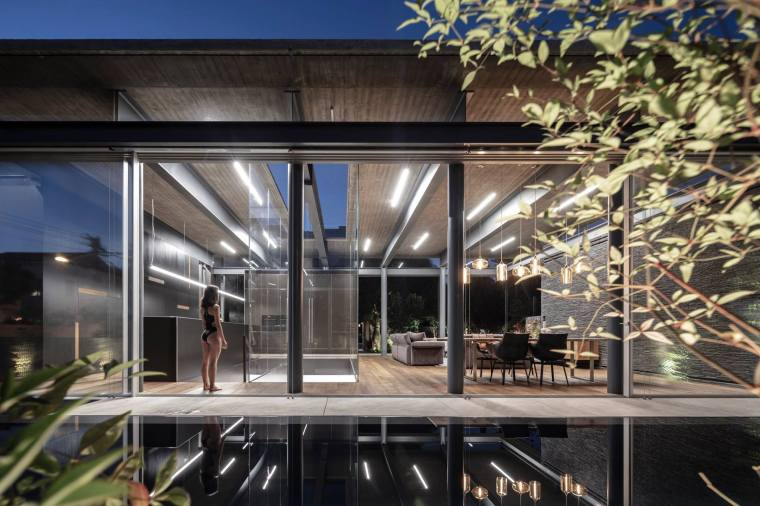 Pavilion House by Pitsou Kedem Architects 30A