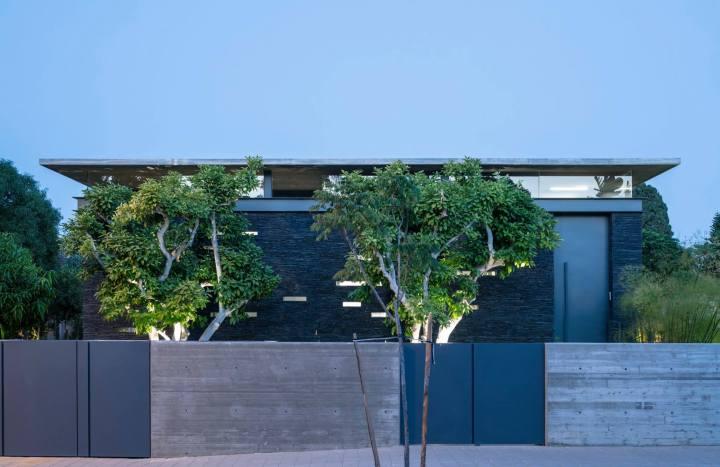 Pavilion House by Pitsou Kedem Architects 31