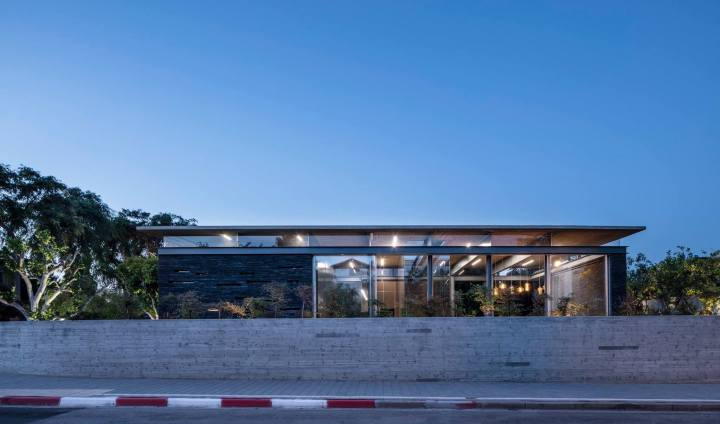 Pavilion House by Pitsou Kedem Architects 32