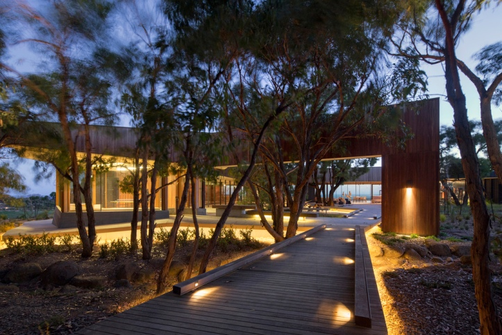 Place to Day Dream by Tony Hobba Architects 01