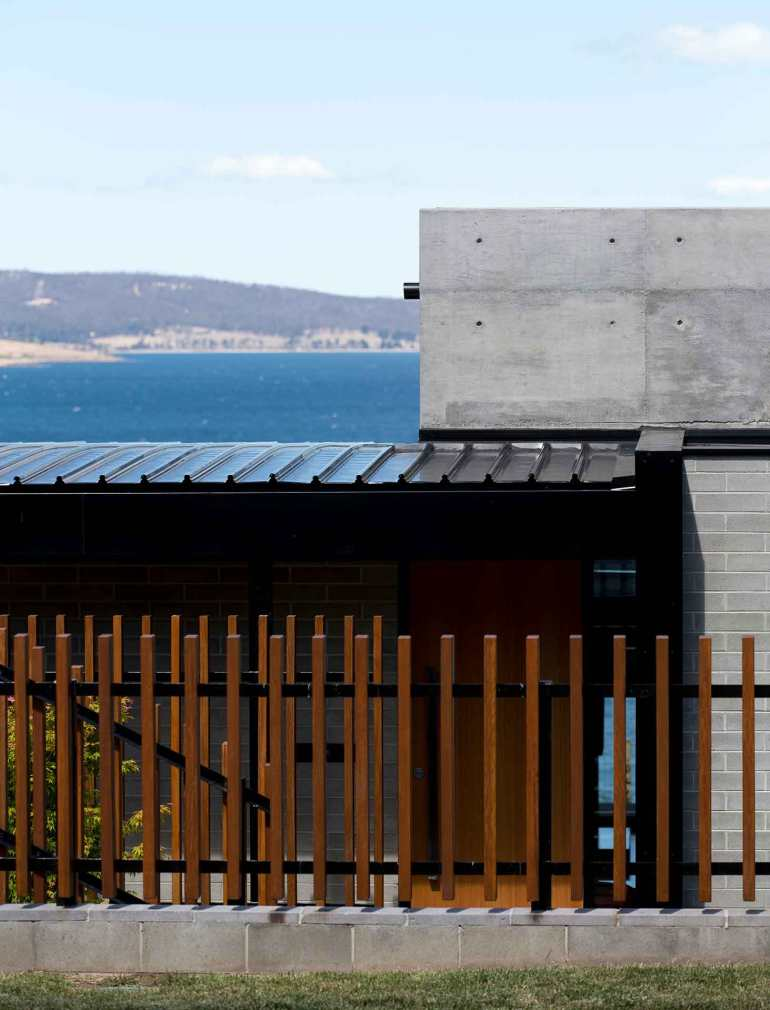 River_s Edge House by Stuart Tanner Architects 2