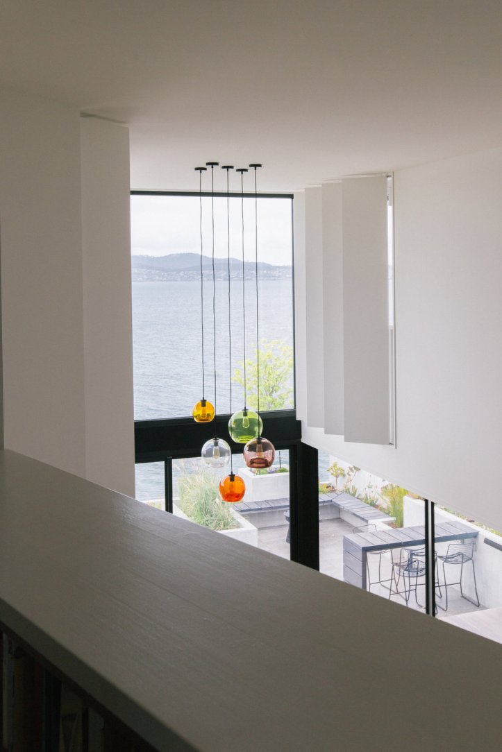 Sandy Bay House by Taylor and Hinds Architects 05