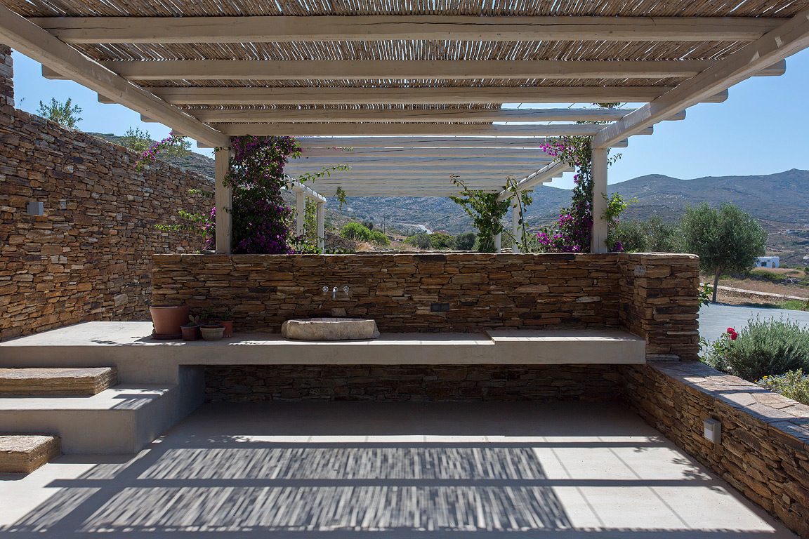 Summer House Under The Prickly Pears, Ios island, Greece | GFRAArchitecture