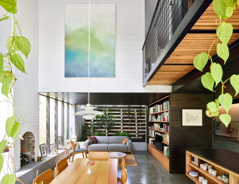 Location: Brisbane, Australia Area: 120 M2 Year: 2017 AWARDS Houses Awards  Shortlist 2018 Dulux Colour Awards Finalists 2018 Architect: John Ellway ...