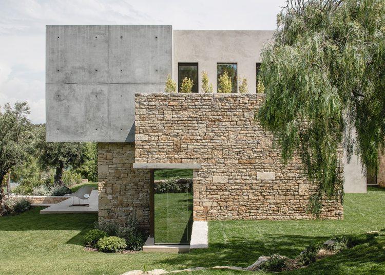Villa Fidji by Caprini & Pellerin Architects 02