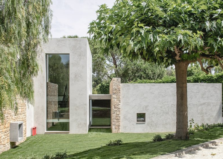 Villa Fidji by Caprini & Pellerin Architects 03