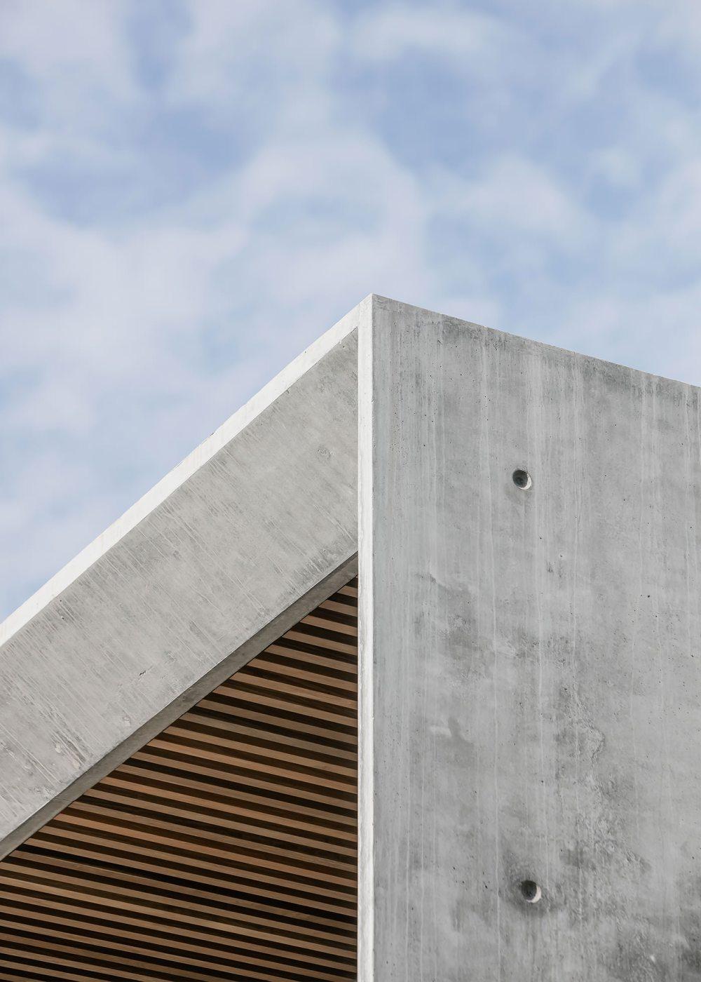 Villa Fidji by Caprini & Pellerin Architects 09