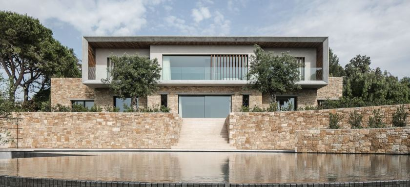 Villa Fidji by Caprini & Pellerin Architects