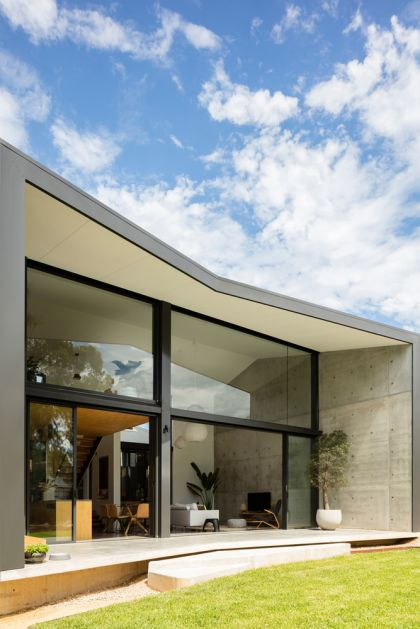 Binary House by Christopher Polly Architect 14