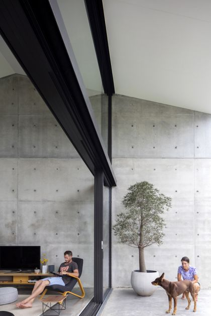 Binary House by Christopher Polly Architect 36
