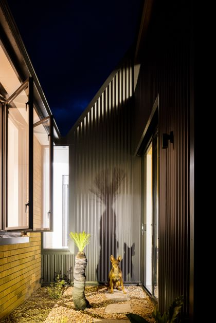 Binary House by Christopher Polly Architect 42